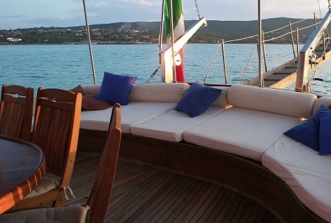 Aft Deck relax area