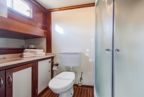 Bathroom on Anna Marija