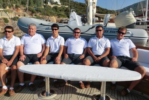Caner 4 crew