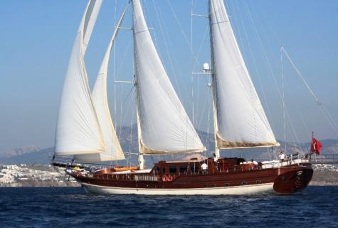 Caner 4 sailing