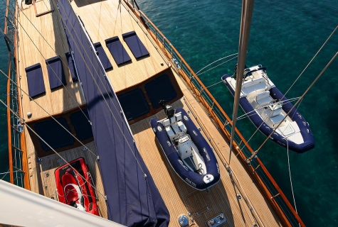 Deck From Mast