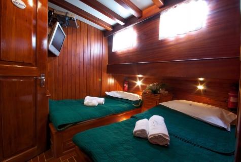 Twun Cabin