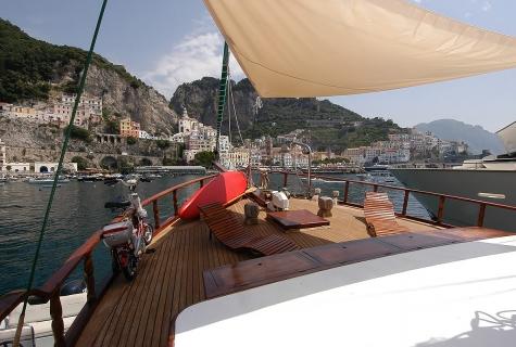 Deck of Maria Giovanna