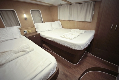 Triple cabins