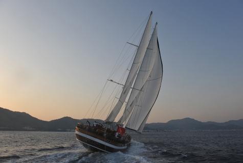 Sailing stern Queen of Datça