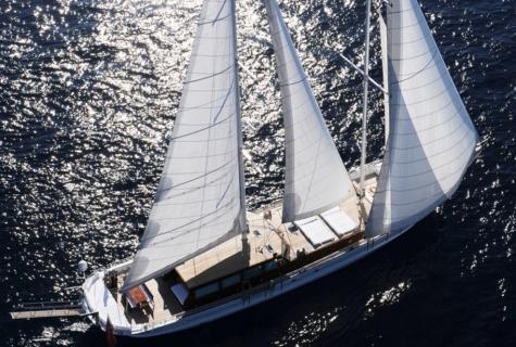 White Soul sailing