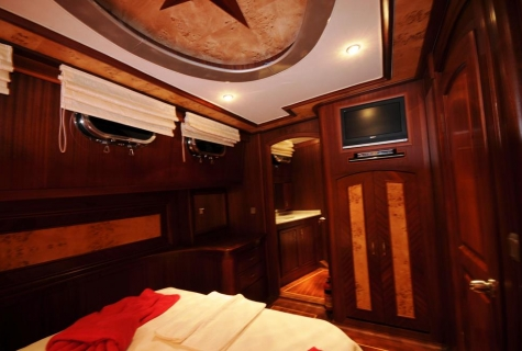 Yuce Bey cabin tv