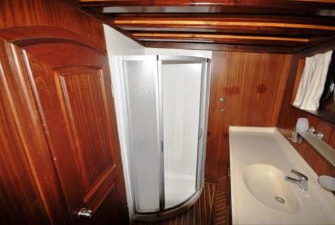 A candan toilet