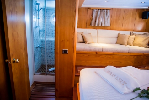 Double Cabin 4