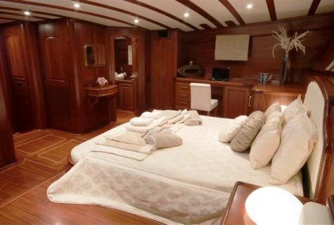 Cozy big bed