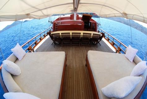 Gulet ASENSENA deck sofas