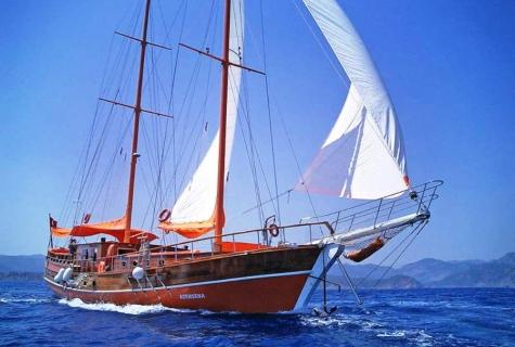 Gulet Asensena sailing
