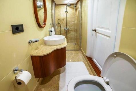 Bella Mare bathroom 2