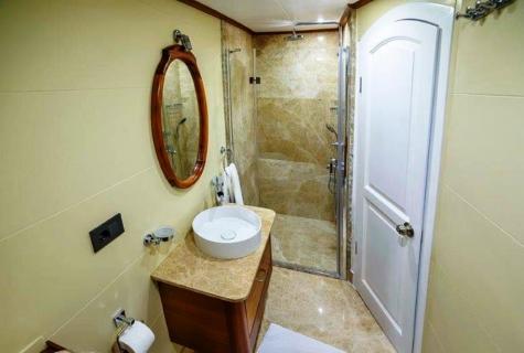 Bella Mare bathroom