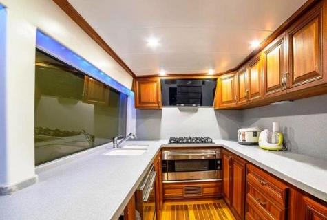 Bella Mare kitchen
