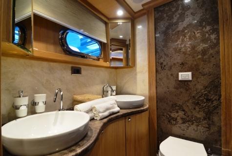 Aft Master Bath Room