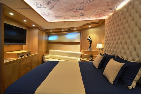 Forward Master Room (2)