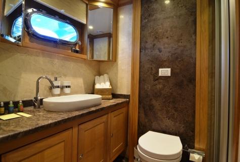 Twin Bath Room 2