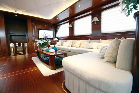 Carpe Diem cabin salon sofa