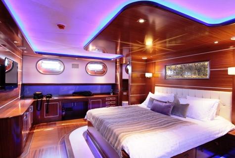 Carpe Diem 5 master cabin