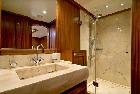 Bathroom on Clear Eyes