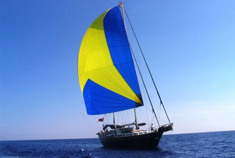 Crazy BLUE sailing