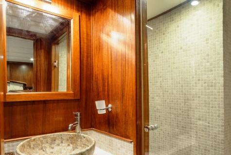Dea Del Mare shower