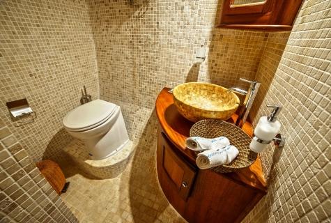 Dea Del Mare toilet