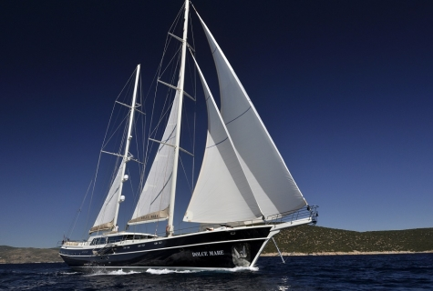 Gulet Dolce Mare under sails
