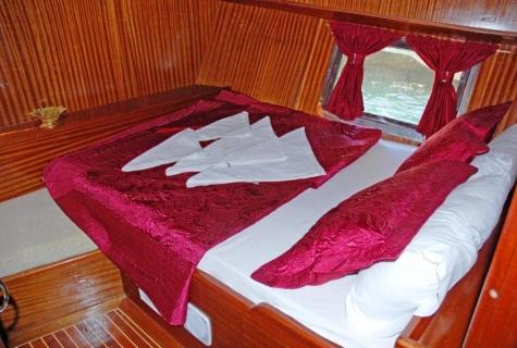 Ece Sultan bed (2)