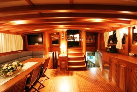Saloon cozy