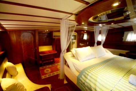 esma sultan 2 master cabin view 3