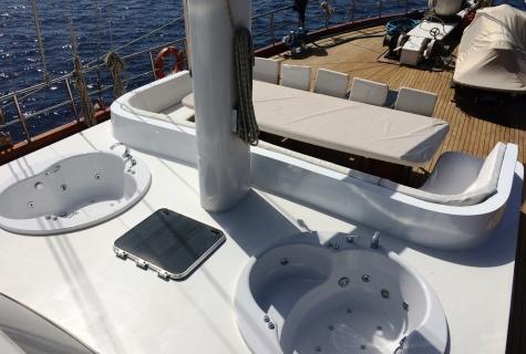 Gulet Esma Sultan deck (2)
