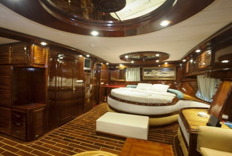 Gulet Esma Sultan master cabin (2)