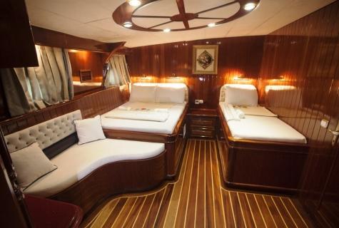 Gulet Esma Sultan twin cabin (1)