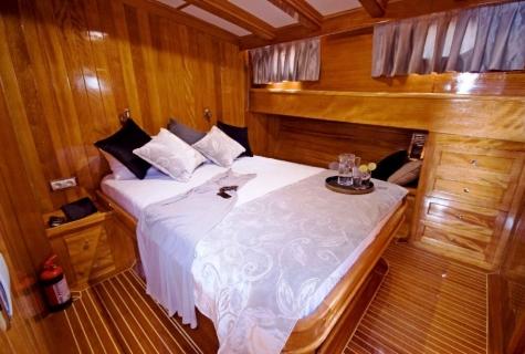 Flas VII cabin