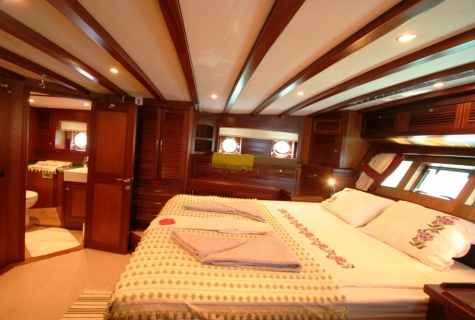 FREYA - Aft Master Cabin (3)