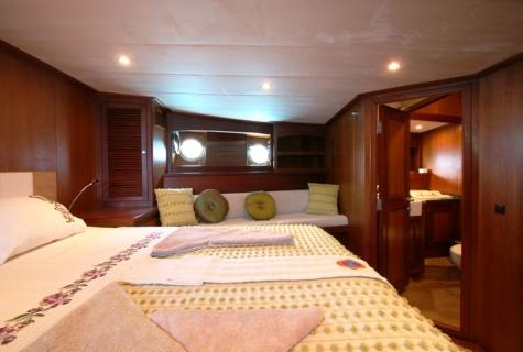 FREYA - Forward Master Cabin (1)