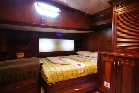 FREYA - Port Side Double Cabin (1)