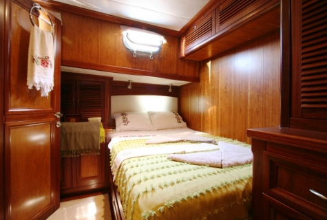 FREYA - Starboard Side Double Cabin (1)