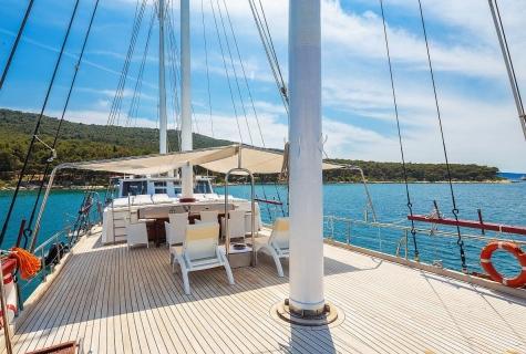 Gulet GIdeon deck Croatia