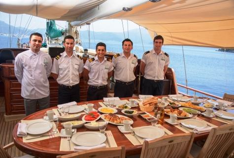 Grande Mare crew