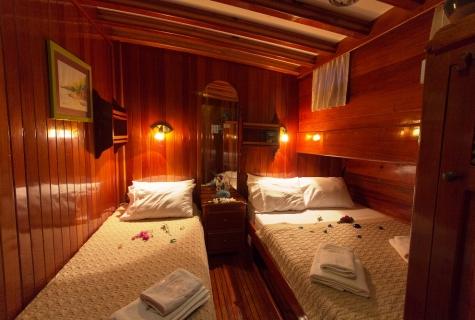 Karina twin cabin (2)