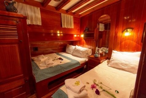 Karina twin cabin (3)