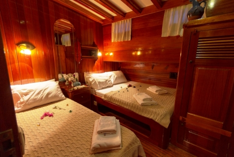 Karina twin cabin