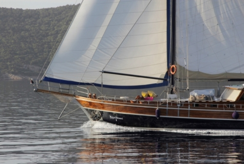 Kaya Guneri 1 sailing