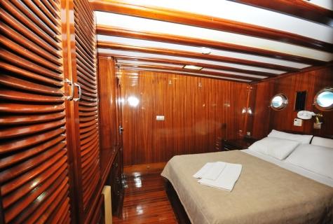 Kayhan 11 bed cabin