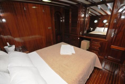 Kayhan 11 bed