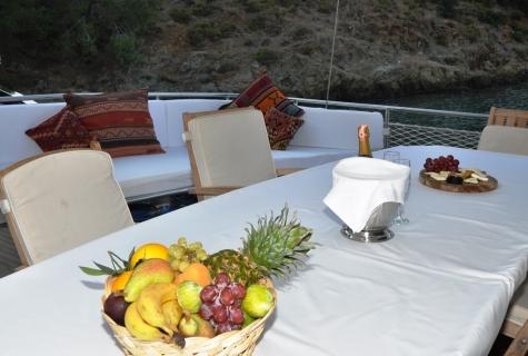 Kayhan 3 food