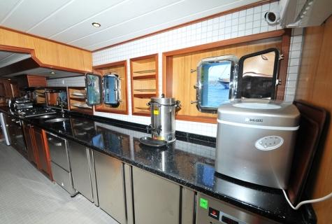Kayhan 3 kitchen